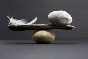 Feder-Stein als Symbol für die Angst vor der Leere danach