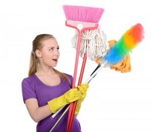 Frau-mit-Putzwerkzeug zu Achte auf deine Gedanken