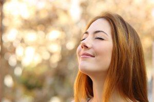 Atem ist Leben - atmende Frau