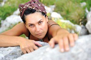 weibliche Bergsteigerin - Bild zum hohen Anspruch an sich selbst